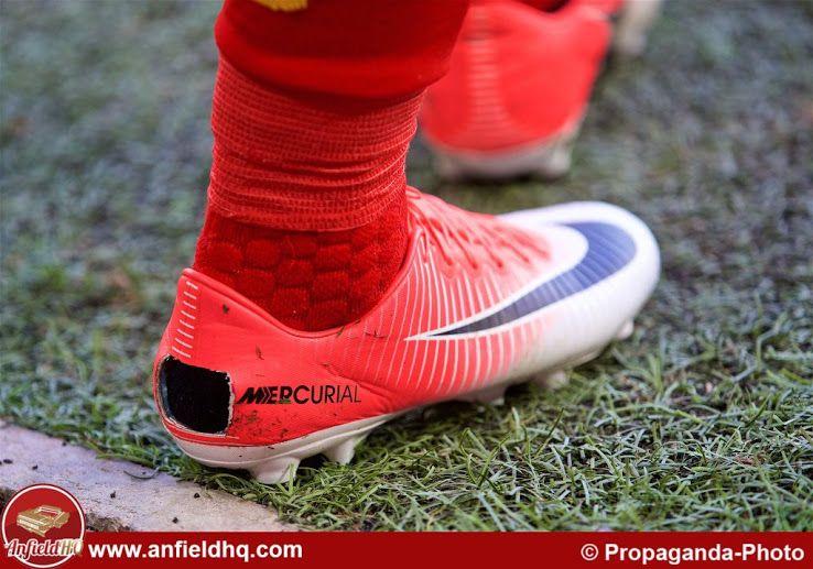 63fadff0e68c8 Coutinho Cuts Big Hole in Nike Mercurial Vapor XI Boots - Footy ...