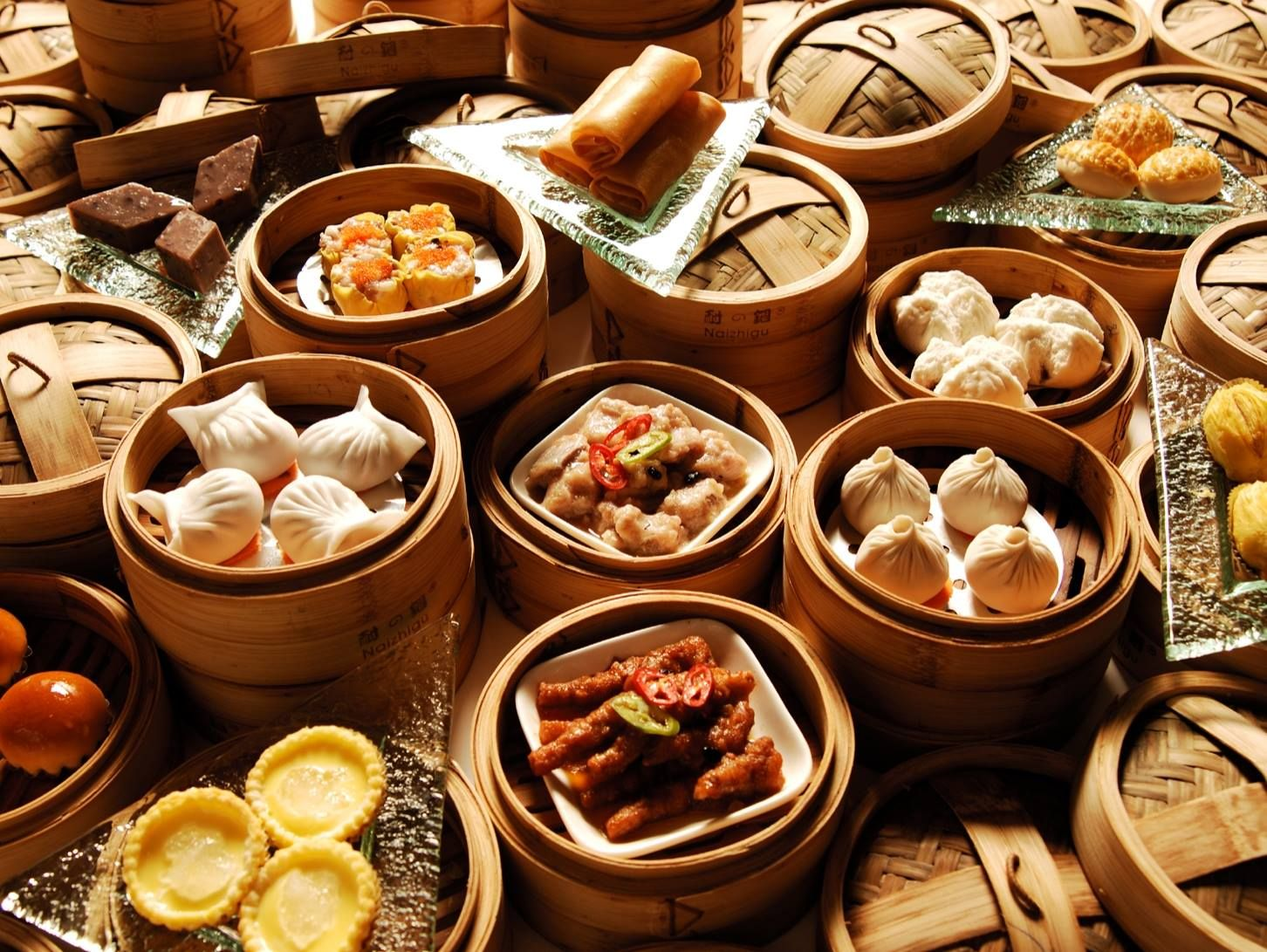Canton Morning Tea 广州早茶 Provides Cantonese An Opportunity To Enjoy Relaxing Lifestyle Drinking Chinese Tea As Well As Eating Real Chinese Food Food Dim Sum