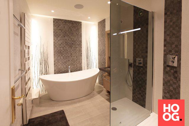 Badkamer Dekor Idees : Luxe badkamer met ronde badkuip badkamer ideeën design