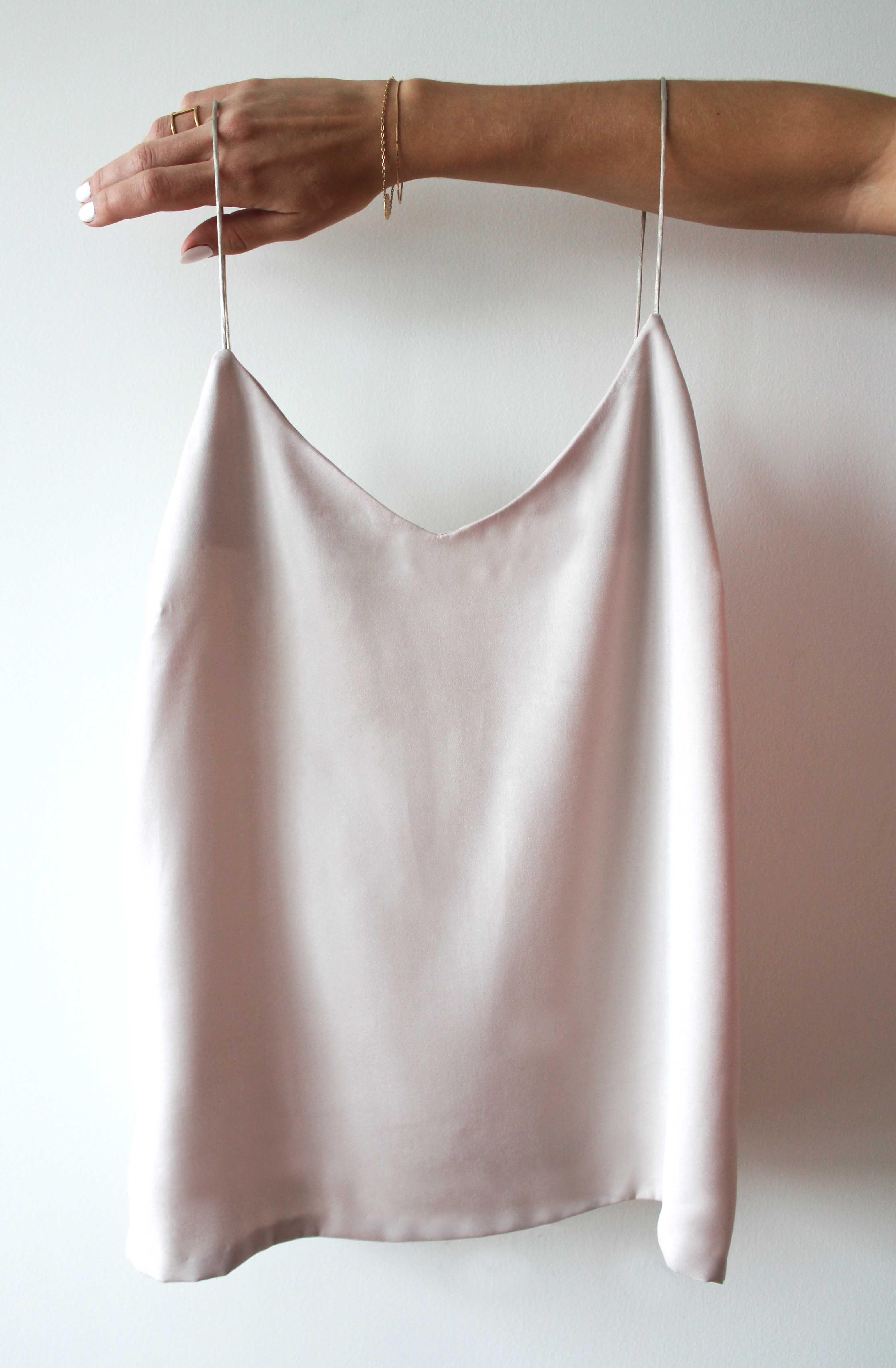 Wardrobe Staples: DIY V-Neck Strap Top | Contour Affair #thingstowear