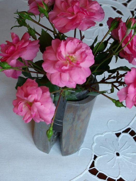 Niewielki Malowany Wazonik Kwiaty Ciete To Ozdoba Kazdego Stolu Glass Vase Vase Decor