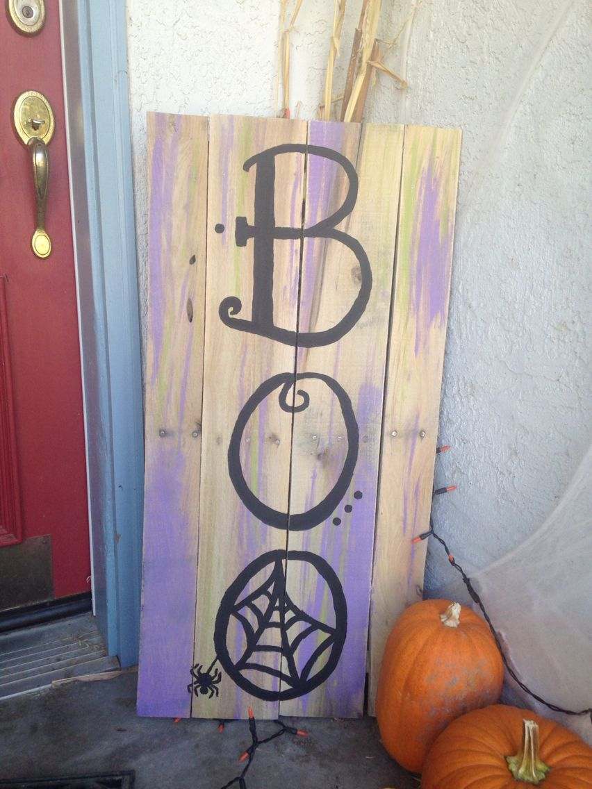 halloween pallet sign