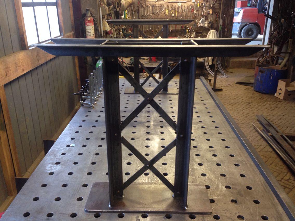 Industrieel Tafel Onderstel : Industrieel tafelonderstel . industrieel pinterest