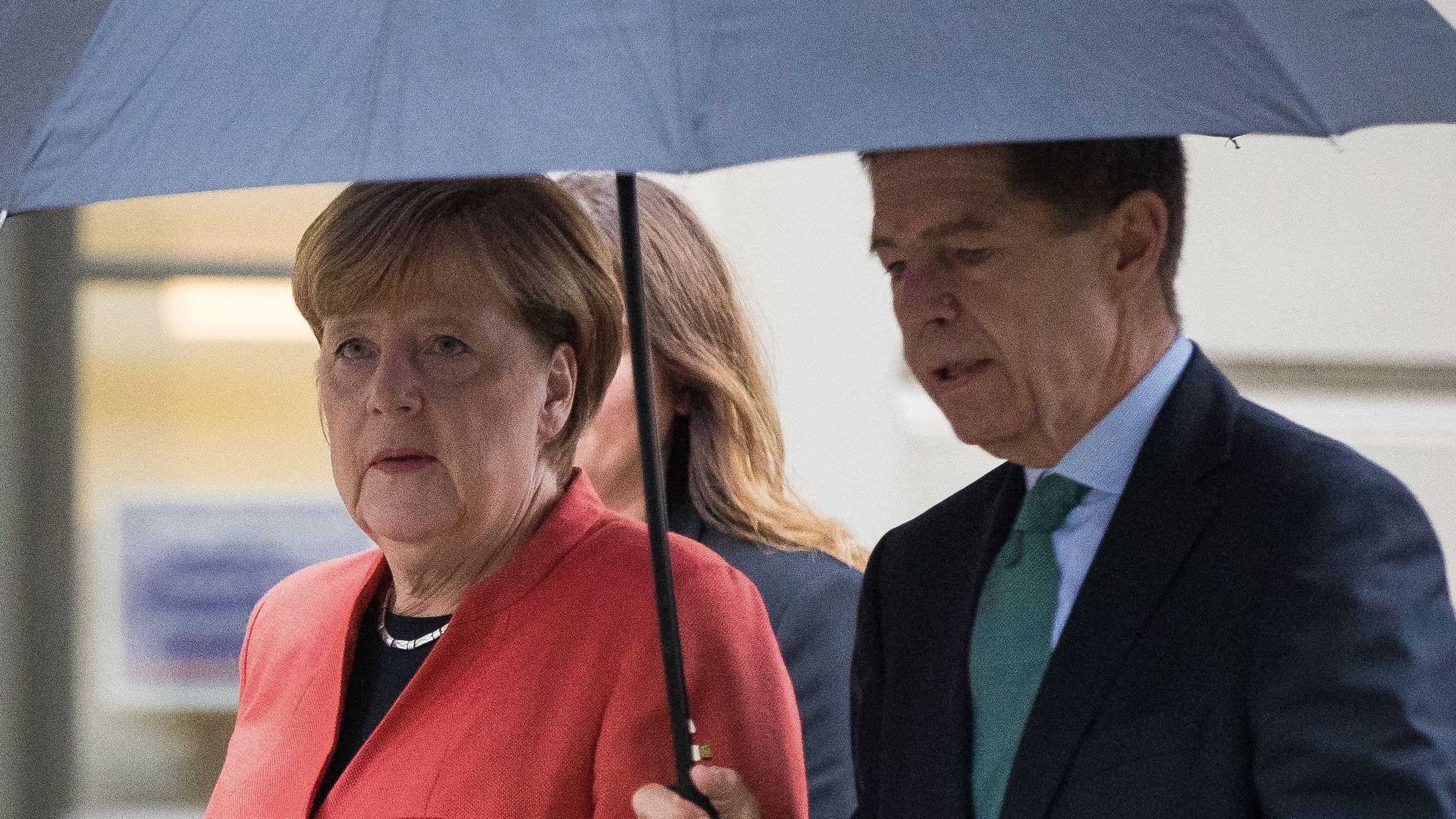 Pin Auf Merkel