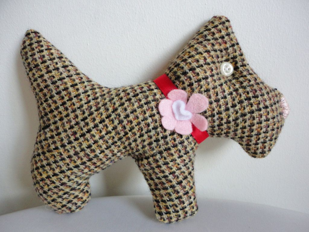 Scented Tweed Scottie (Brown