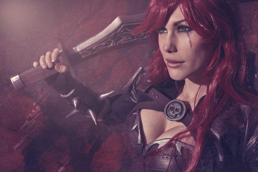 Cosplay de Katarina ed League of Legends interpretado por Lilia Lemoine
