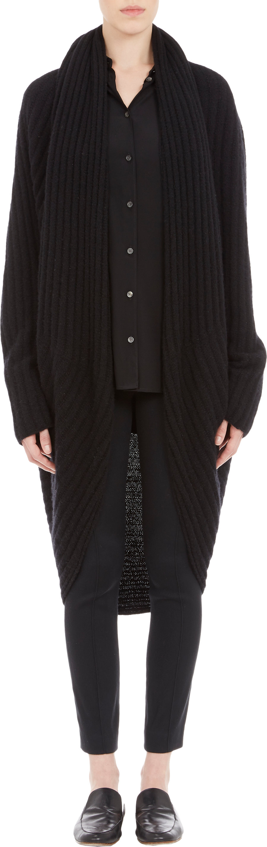 Olivia Pope extra long sweater!!! I meed this in my life!!!!! The ...