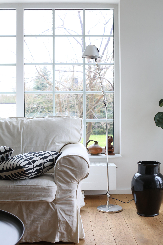Livingroom Lamp Design Artemide Lettura Tolomeo Black White Interior Inspiration By Kasia Pohl Interior Black And White Interior White Interior