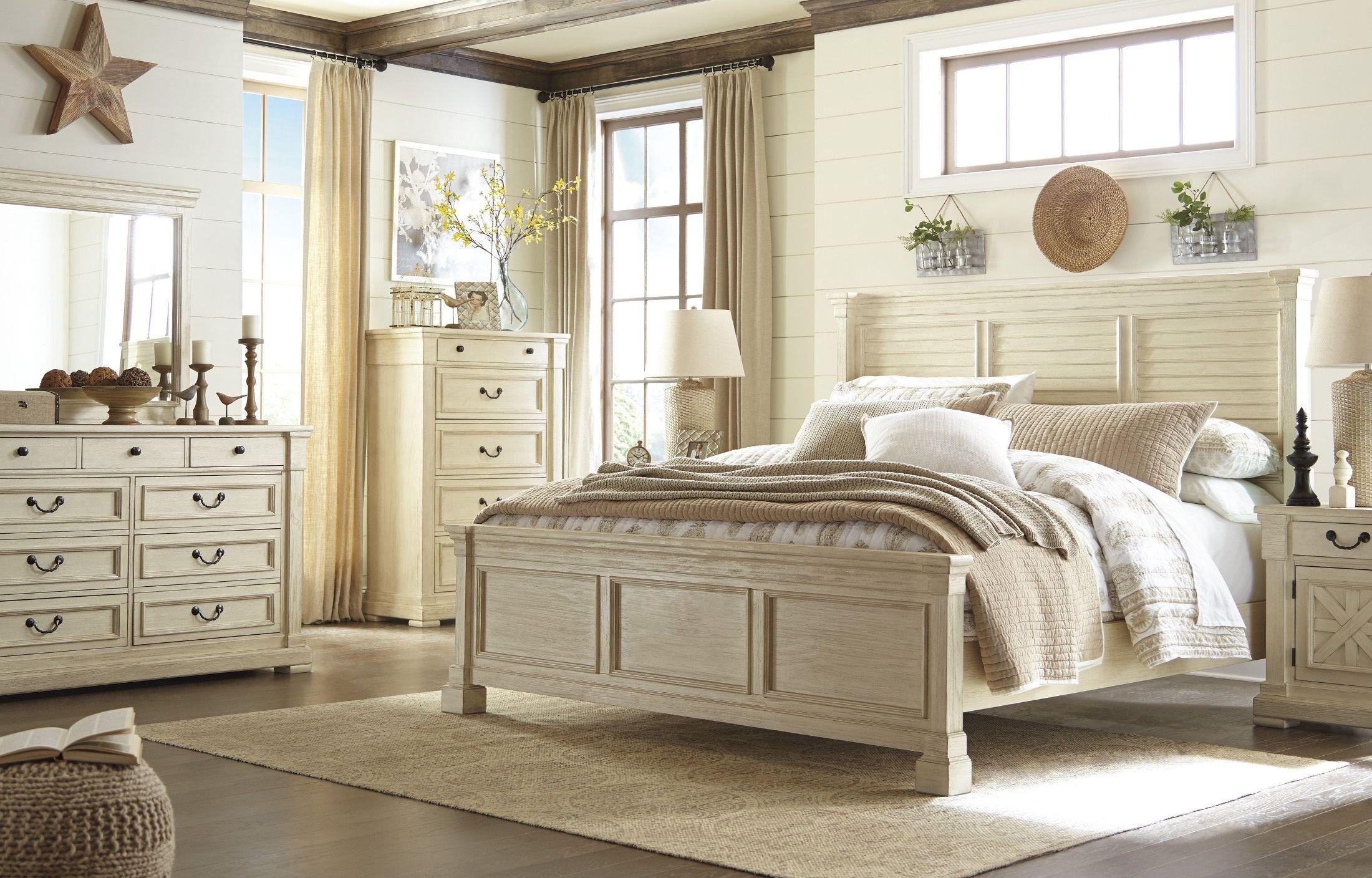 Best Bolanburg White Louvered Panel Bedroom Set White Bedroom Set Bedroom Furniture Sets White 400 x 300
