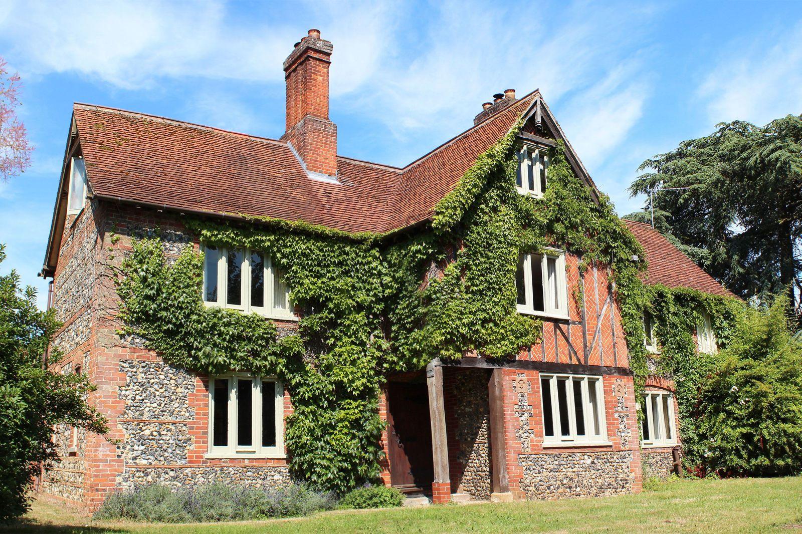 Six chic farmhouses to rent in the UK Farmhouse, Soho