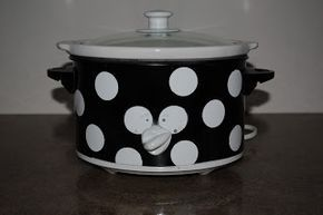 You Can Use High Heat Spray Paint To Cover Over A Crock Pot Crock Crockpot Diy Painting