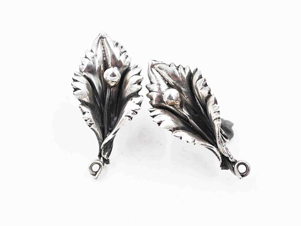 CORO sterling large leaf pin brooch