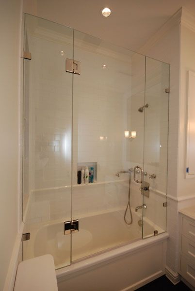 Shower enclosure idea for a tub/shower combo. Very clean & modern ...
