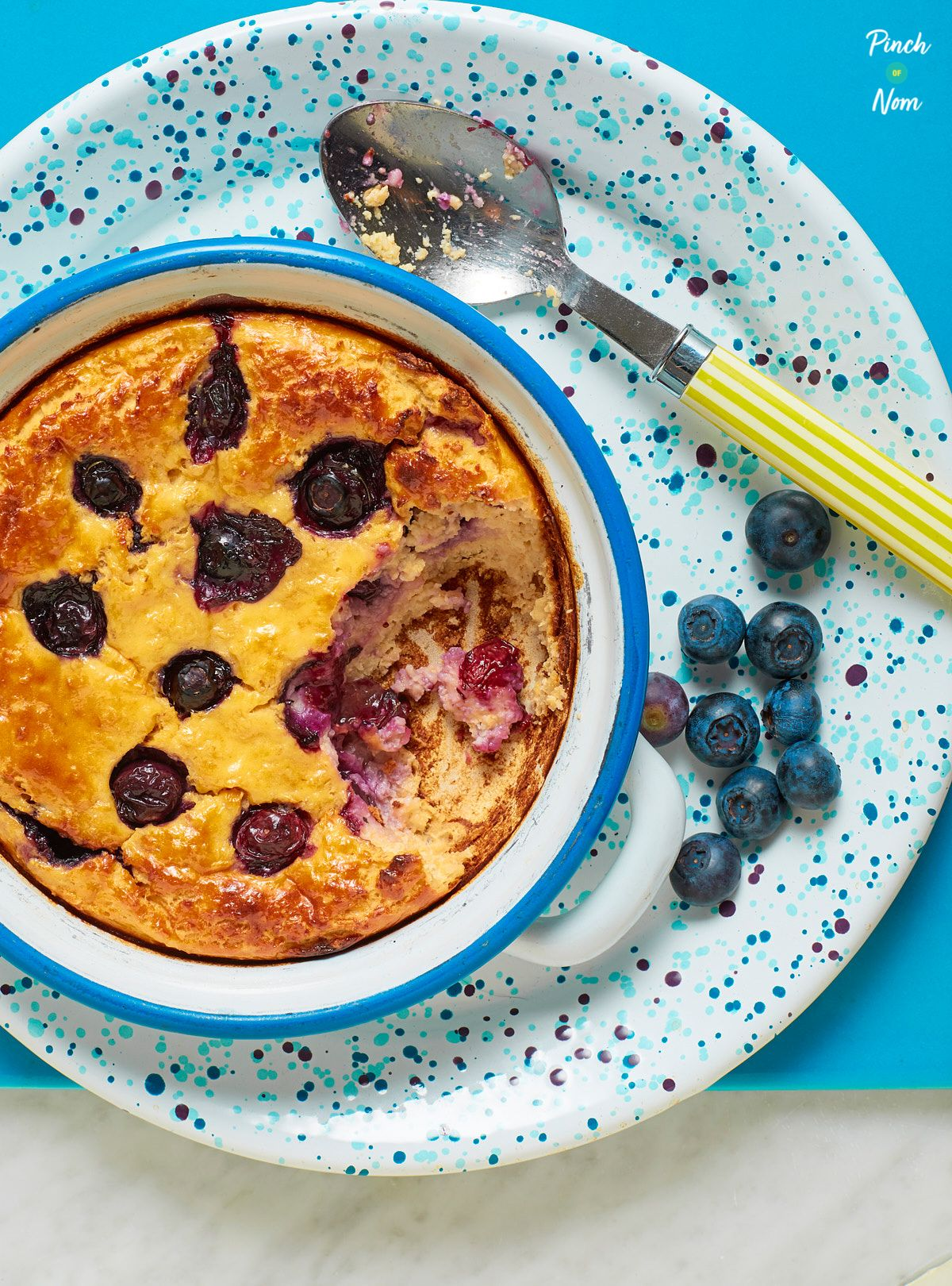 These Lemon and Blueberry Baked Oats are a great slimming ...