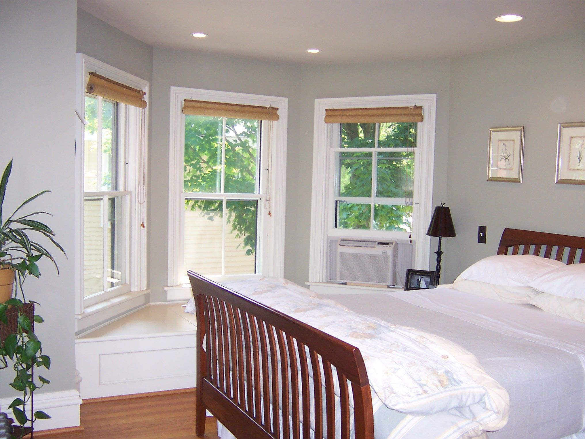 55+ Bay Window Ideas Blending Functionality with Modern
