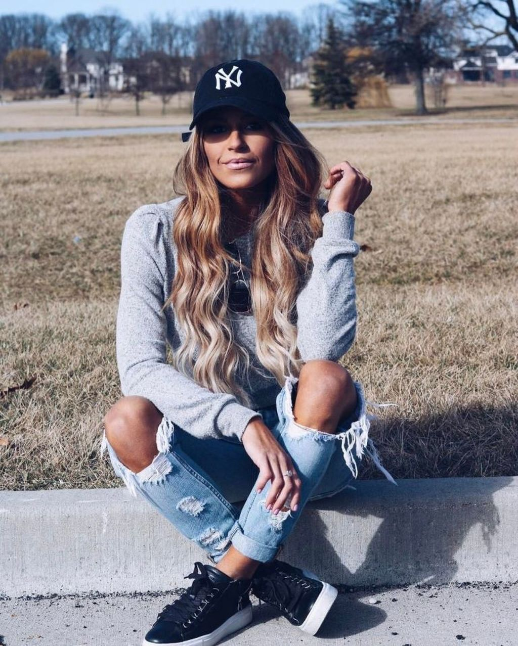 37 Fashion Forward Ways To Wear A Baseball Cap #outfitswithhats