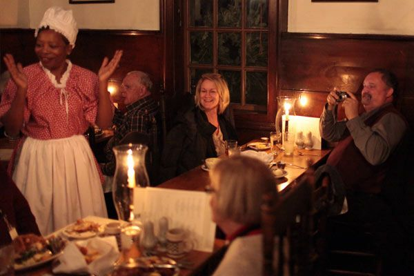 Colonial Williamsburg Historic Taverns A Must When Visiting The Cw Eat Virginia Fare By Candlelight While Listening To Traveling Musicians Or Maybe