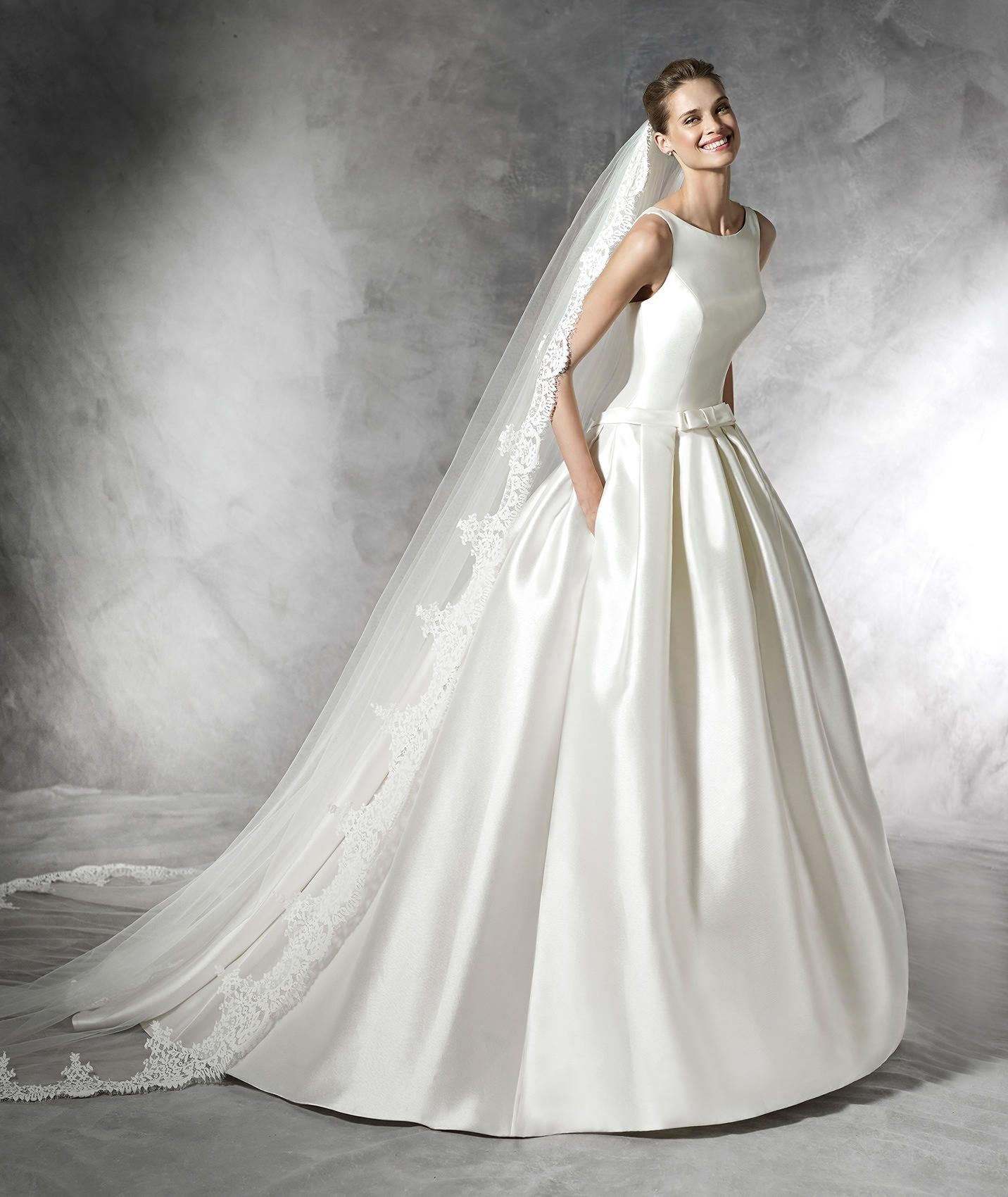 Princess Bateau Sleeveless Taffeta Wedding Dress With