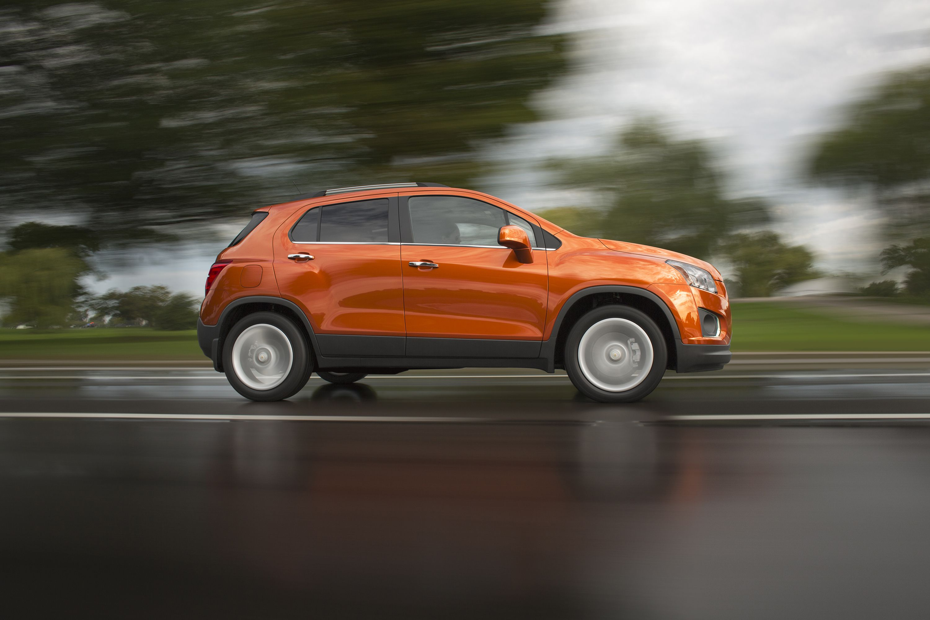 Sit Back Relax And Focus On The Trax Con Imagenes Autos Camionetas Transporte