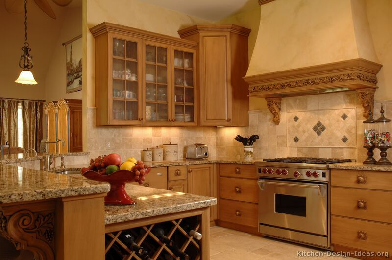 Traditional Light Wood Kitchen Cabinets #59 (Kitchen Design Ideas.org) Part 97