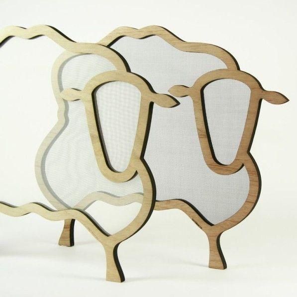 Door een normale raamhor een geniaal extraatje te geven – het silhouet van een schapenhoofd – creëerde de getalenteerde Gerrit Dekker een heel nieuw uiterlijk. Dutch design met een vrolijke twitst!