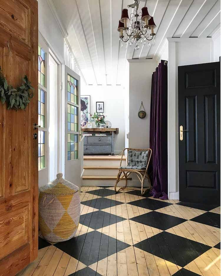 Painted Chequered Diamond Wood Floor In The Hallway Entrance Of An Eclectic 19th Century Swedish House Home Scandinavian Home House Interior