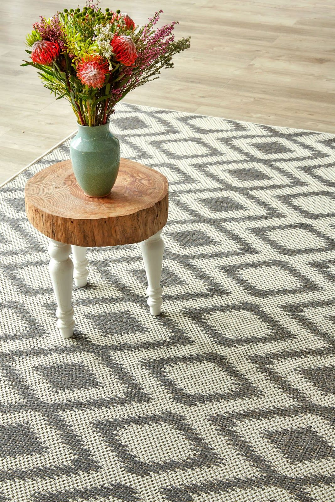 Appel 'n Ui: Indoor-Outdoor Rugs Available on Order