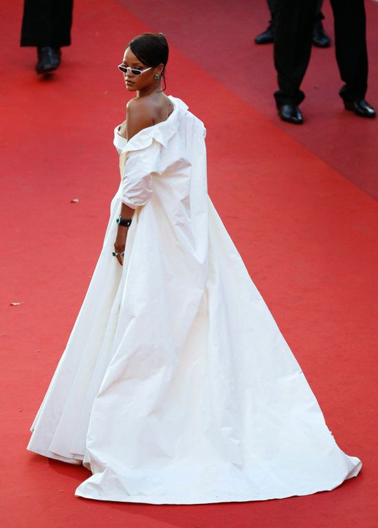 Pin by Amour Propre on Best Red Carpet Dresses | Rihanna ...