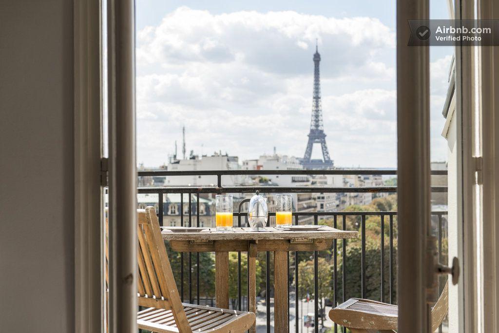 Apartment in Paris, France. Suite Deluxe 2 rond Point des