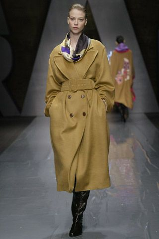 Laura Biagiotti - Fall Winter 06/07 Ready-To-Wear - Shows - Vogue.it