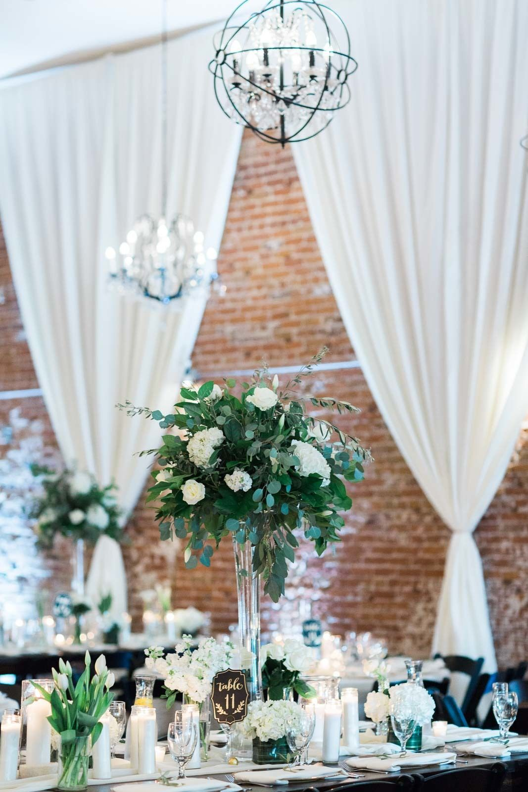 Black and white wedding decor ideas  This Bride Had A Vision For Her Wedding And We LOVE How It Came Out
