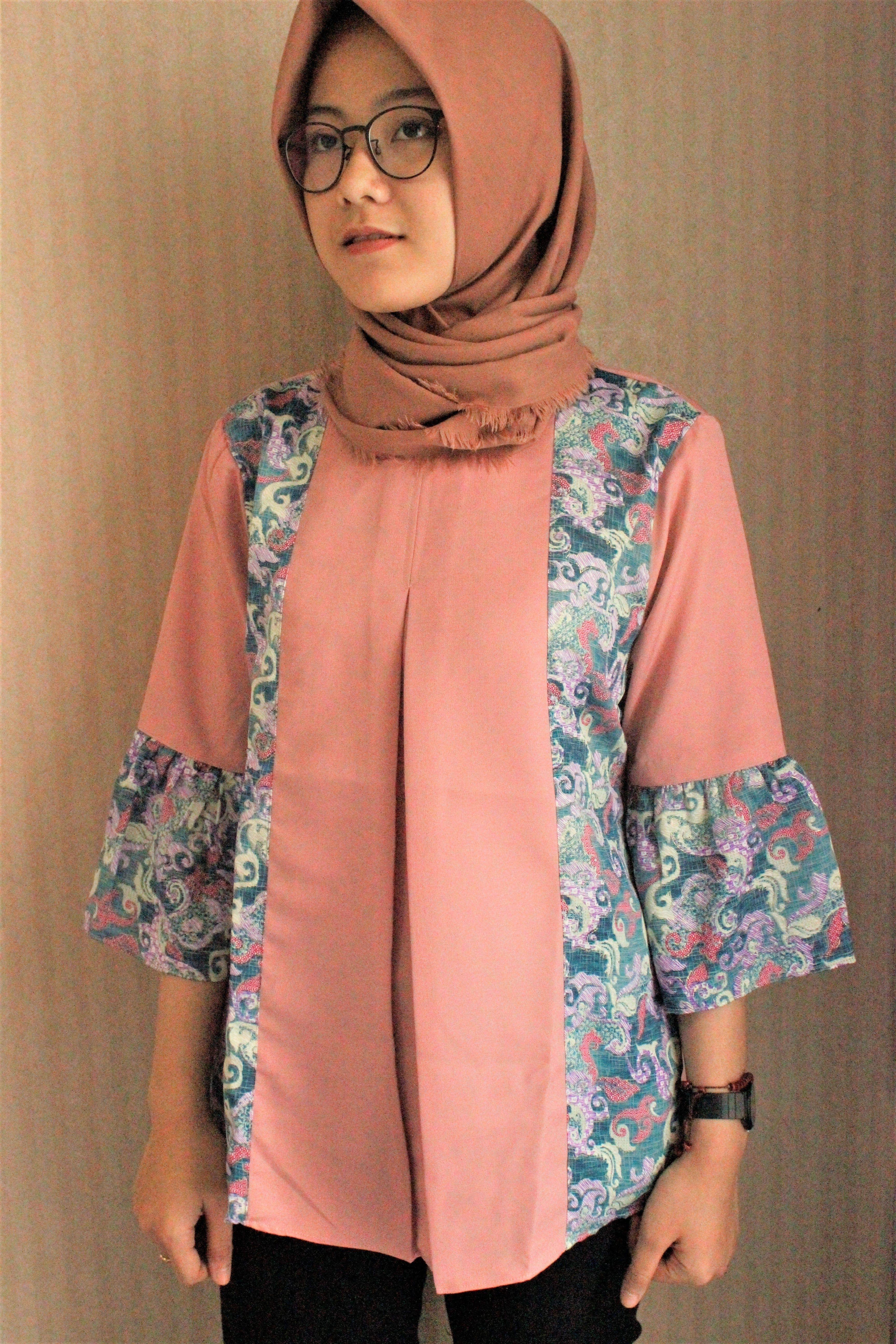 Model Baju Batik Modern Untuk Ibu Hamil di 2020 | Model ...