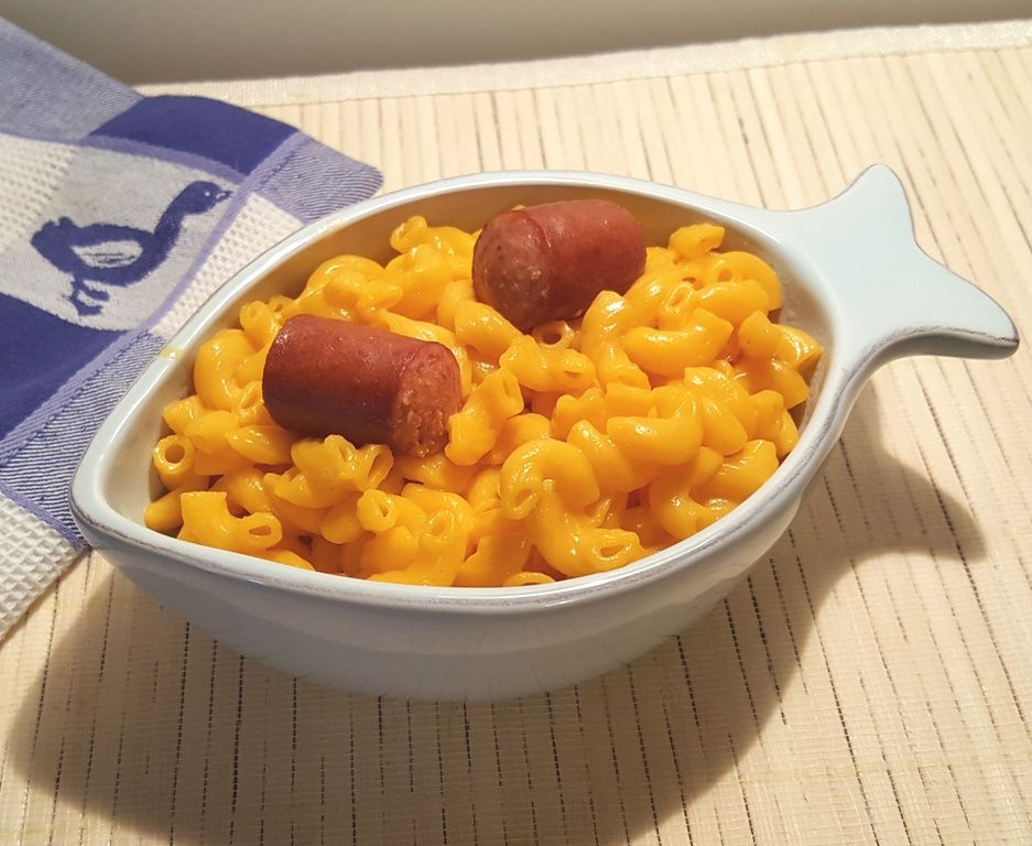 Copycat kraft macaroni cheese dinner with hot dogs