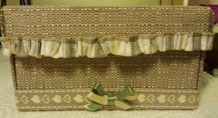 Scatola di cartone rivestita con tessuto