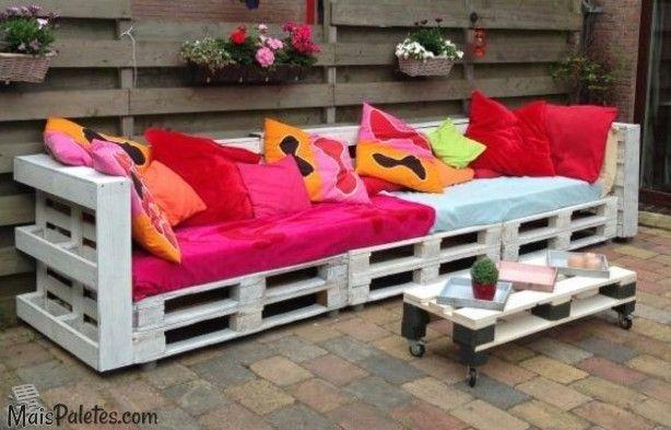 Sof s com paletes no exterior casa na praia pinterest for Sofa exterior reciclado