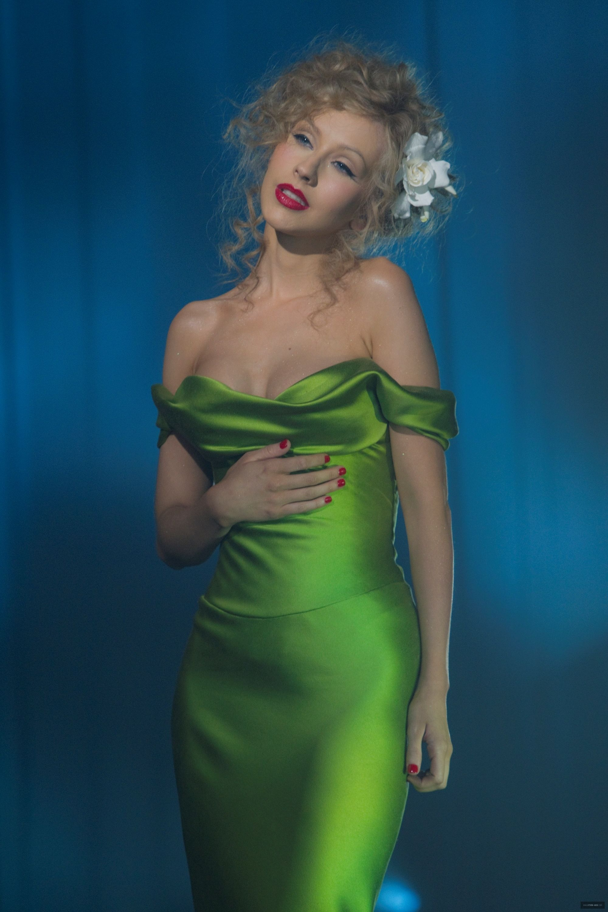 697cda8fd07 Christina Aguilera Sexy Green Off-the-shoulder Prom Dress in Burlesque