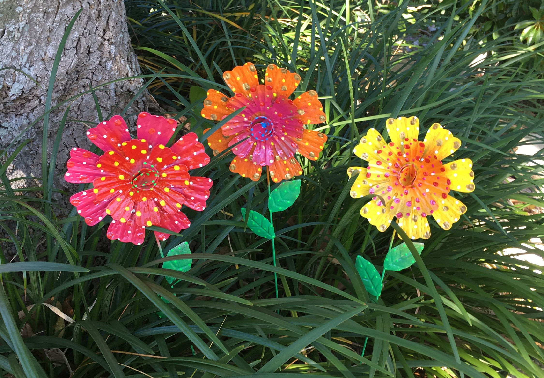 Metal Garden Flowers,Fairy Garden,Set of Three Garden Stakes,Lawn