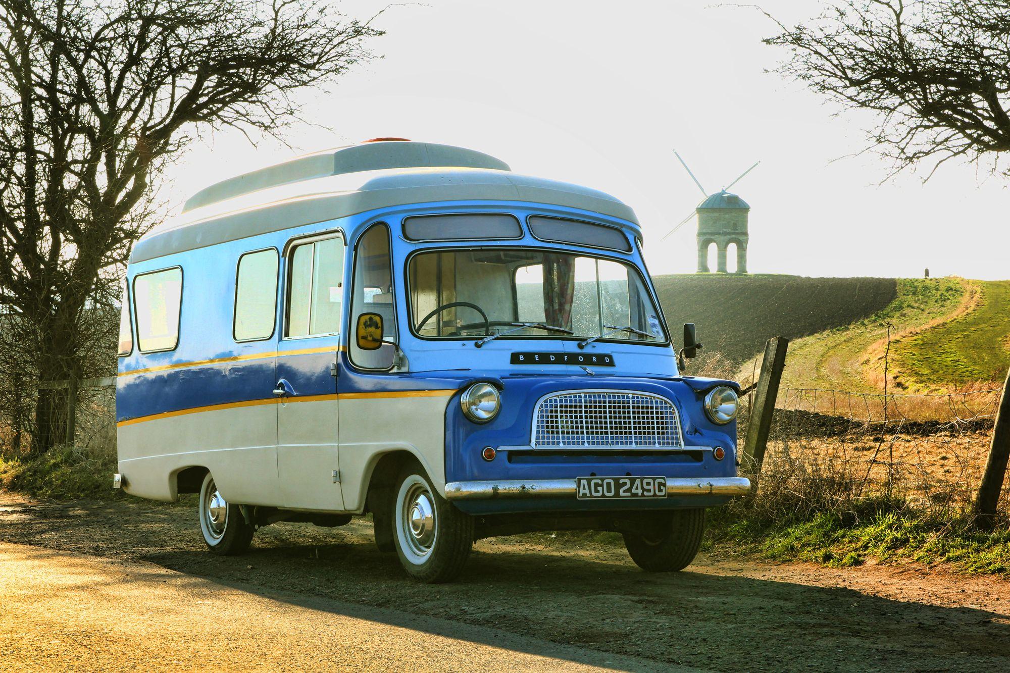 bedford debonair camping car et autres folies pinterest caravane. Black Bedroom Furniture Sets. Home Design Ideas
