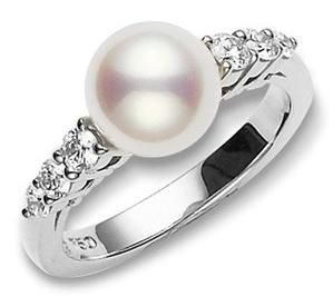 Screw a typical diamond engagement ring. This girl wants a pearl.