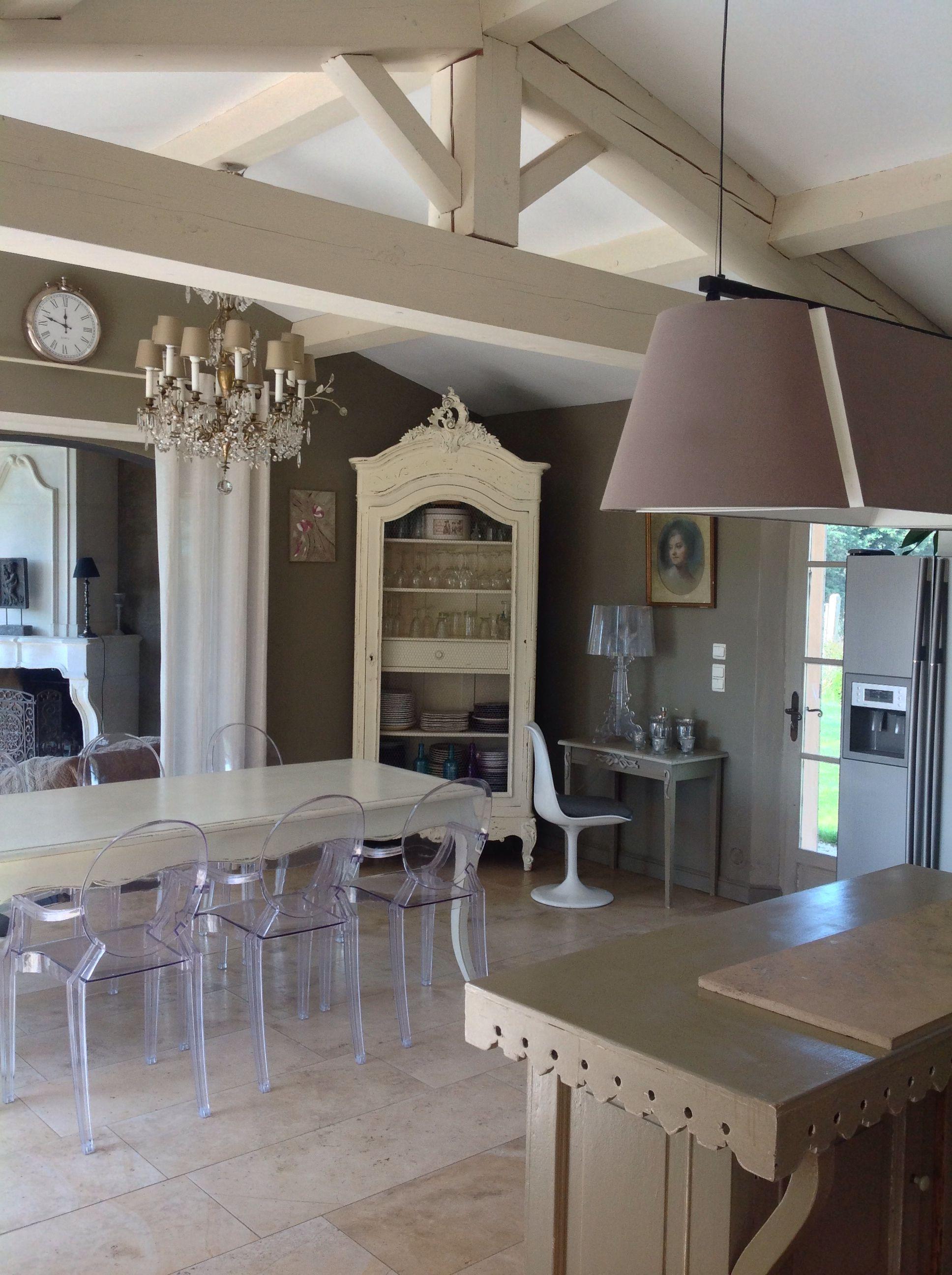 Table Ancienne Et Chaises Stark Deco Interieure Decoration Interieure Decoration Maison