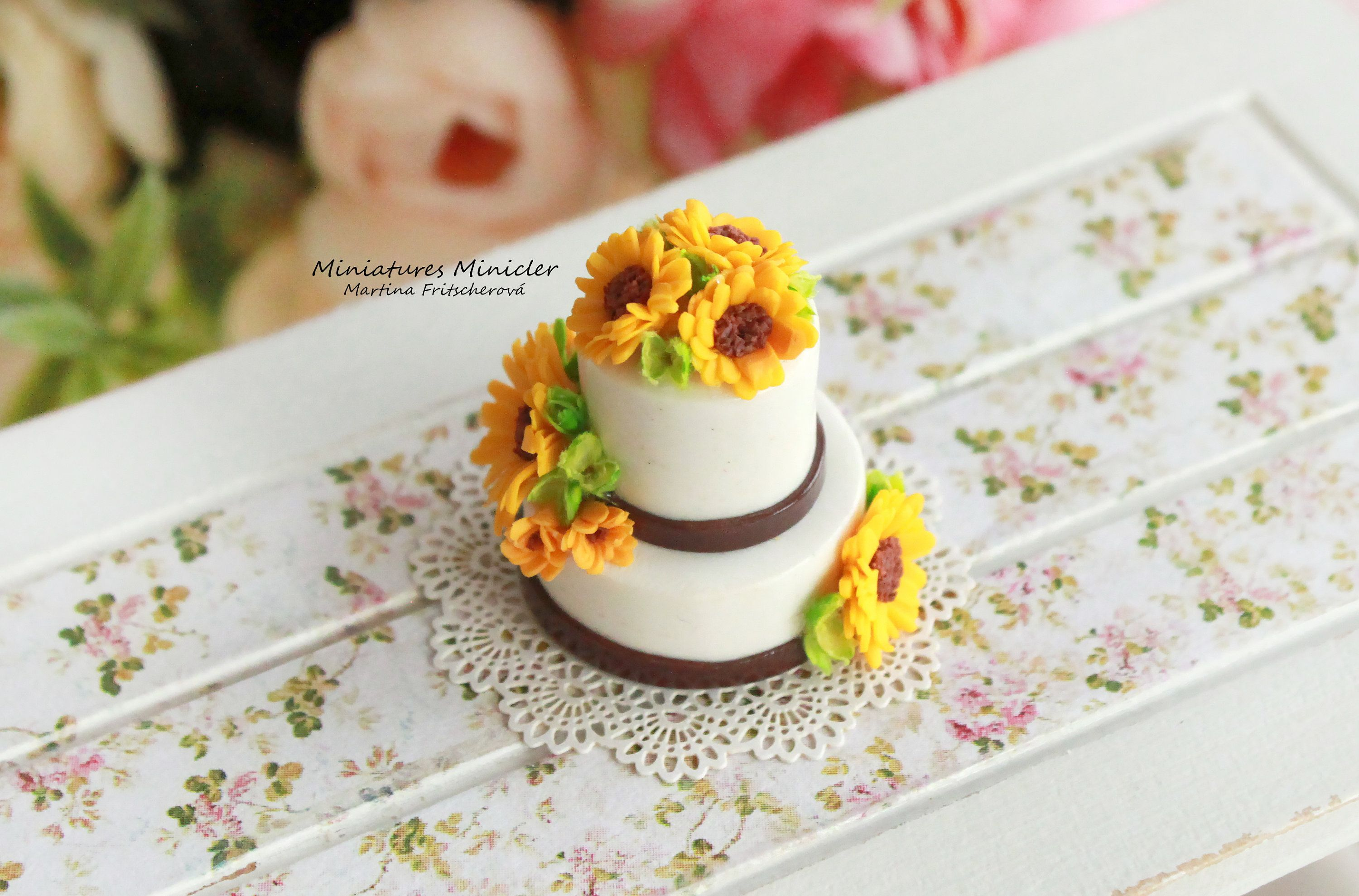 Blue Round Cake Top Rose Blossom on Stand Dollhouse Miniatures Food Deco-2