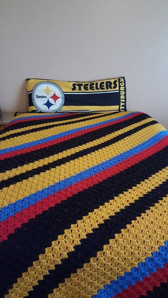 Pittsburgh Steelers Full Size Bedspread/56\