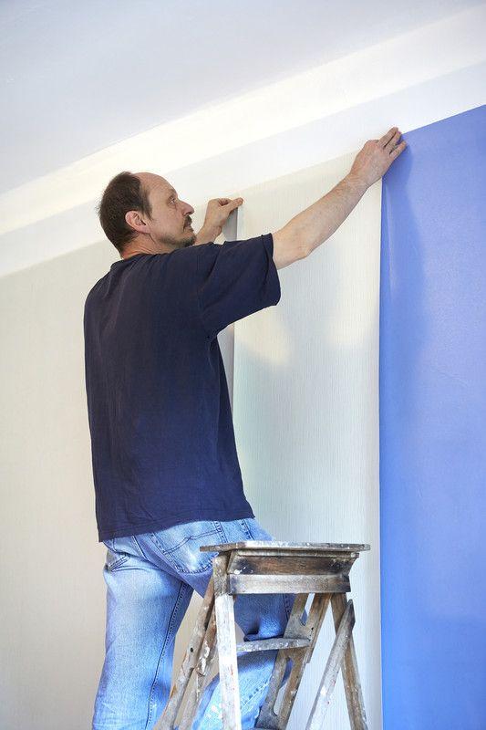 tapezieren mit dieser anleitung klappt 39 s bestimmt tapete pinterest. Black Bedroom Furniture Sets. Home Design Ideas