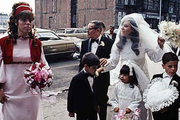 31 Pictures That Show Just How Surreal NYC Was In The 1970s