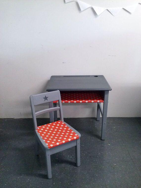 Ensemble vintage bureau et chaise d 39 enfant par unlapindansletiroir 140 00 kid s room kids - Customiser un bureau ...
