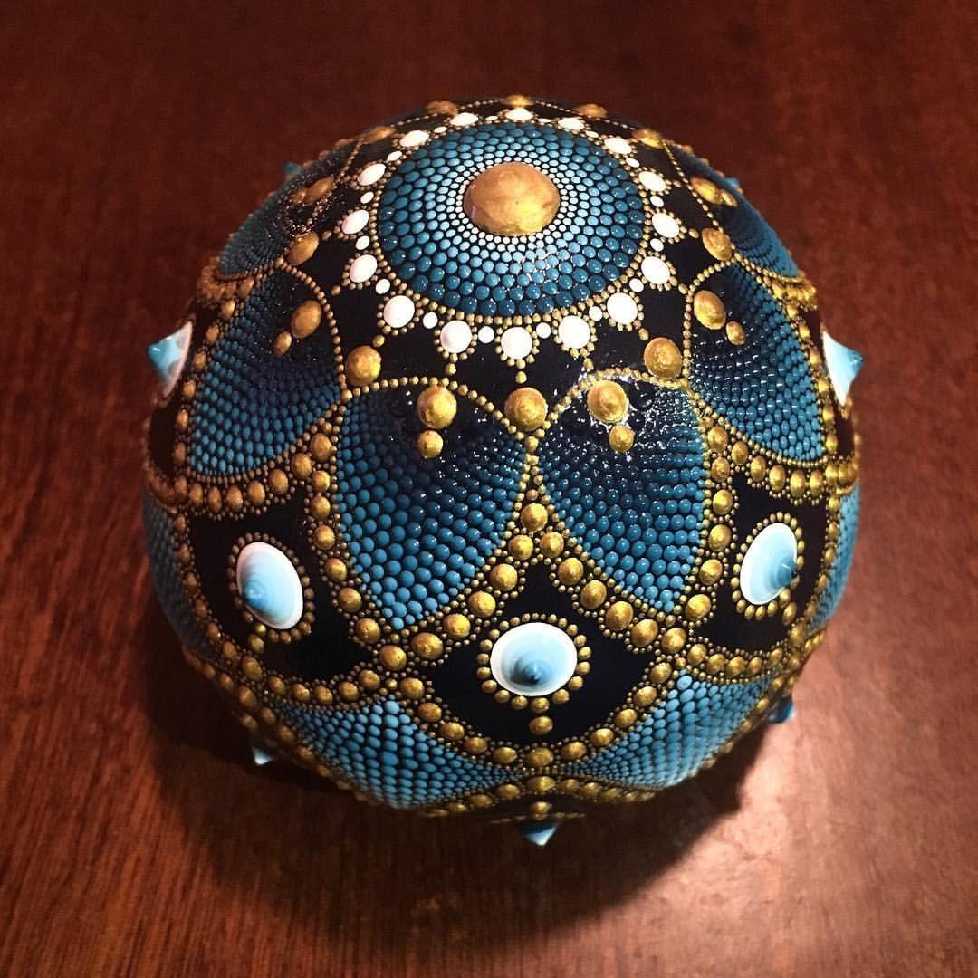 steine bemalen brosche kreative ideen mandalas malen mandala steine leinwand malen und