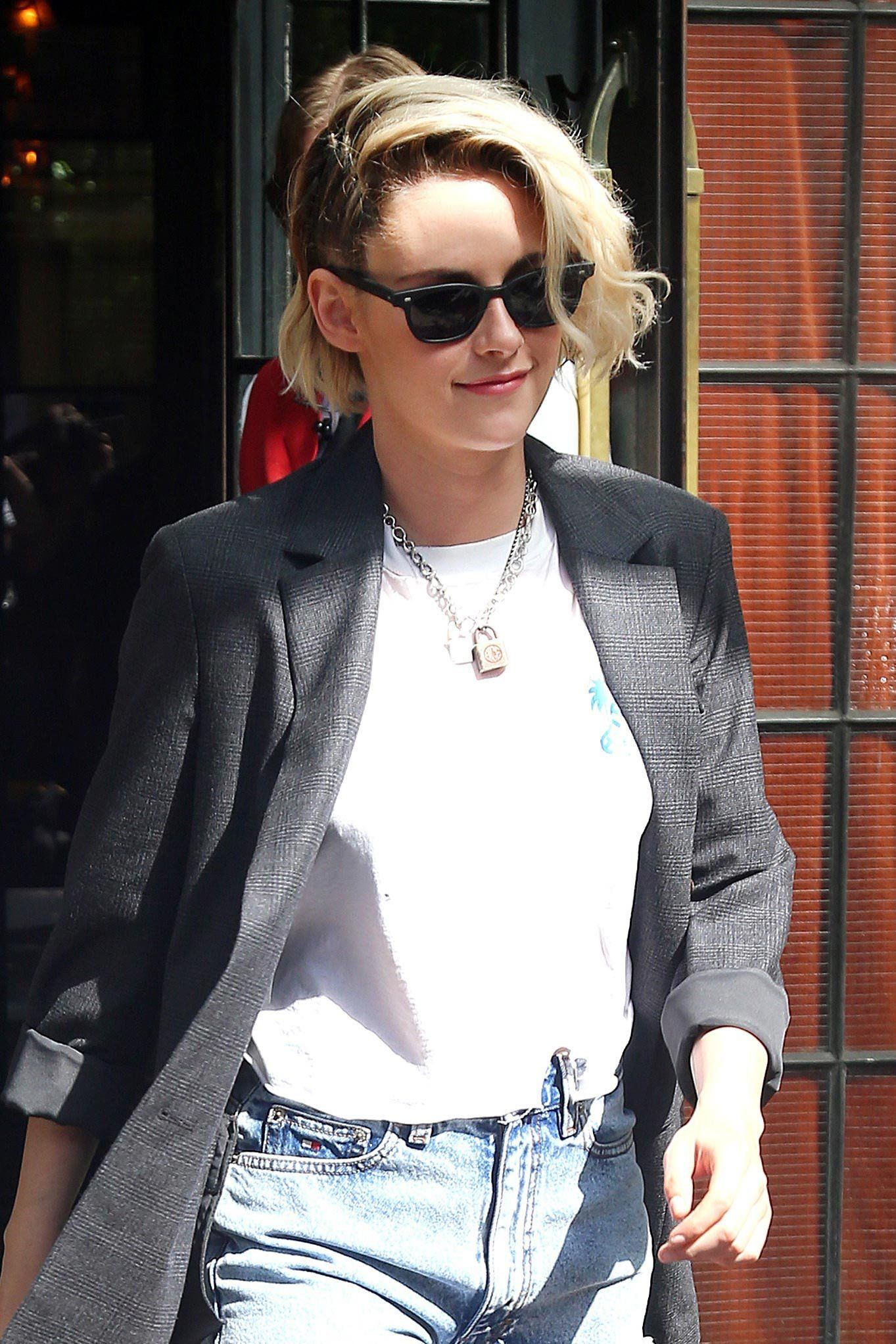 Bleached hair and inky roots may enjoy an eternal cool steeped in rock 'n' roll, but leave it to Kristen Stewart to put the look on the same summer level as a subtle ombré dye job.