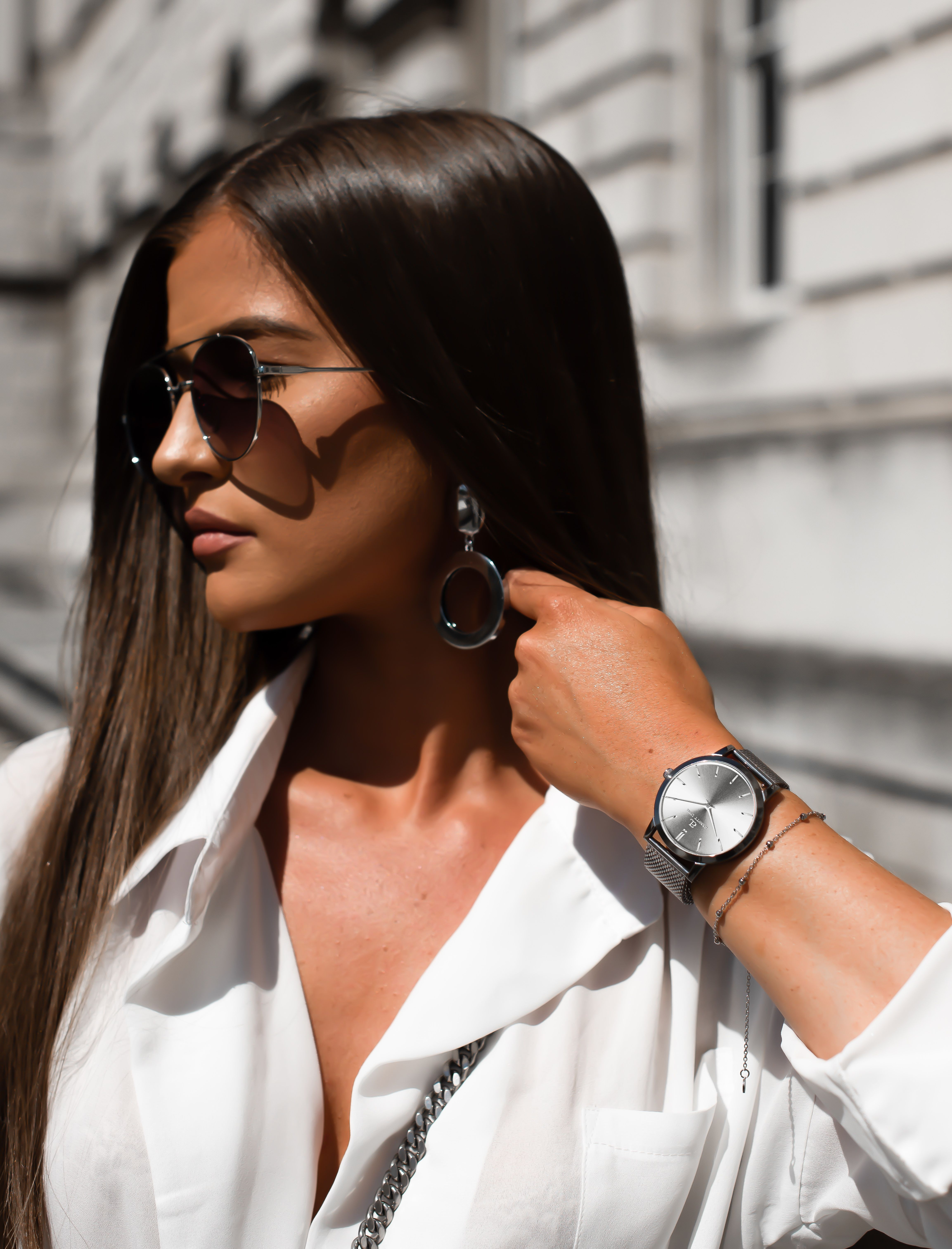The Ultimate Luxury Look With Fashion Blogger Alice Olivia Cross And Abbott Lyon S Nickel Luxe Watch Fashion Fashion Blogger Lux