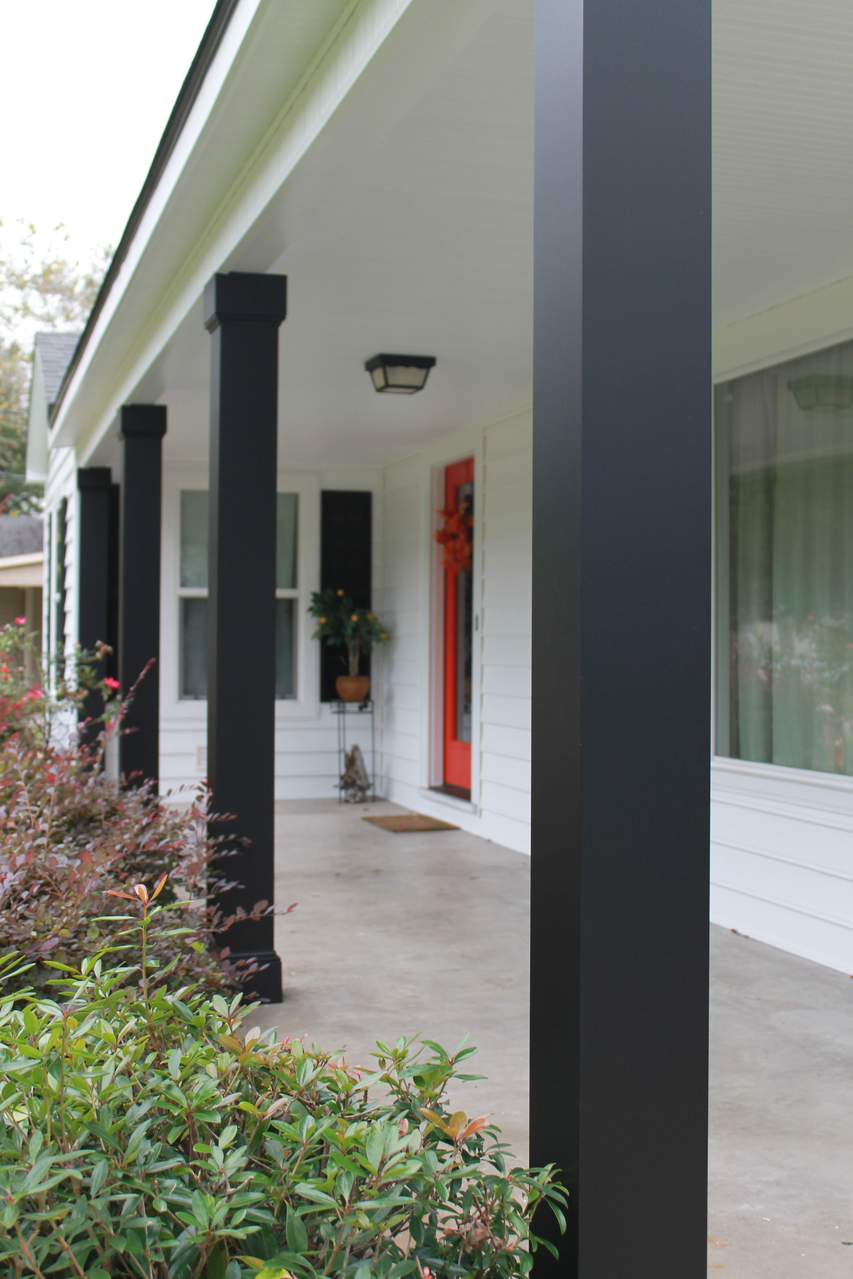 Part Of The Afco Traditions Series Natchez Aluminum Column Makes A Bold Statement In Black