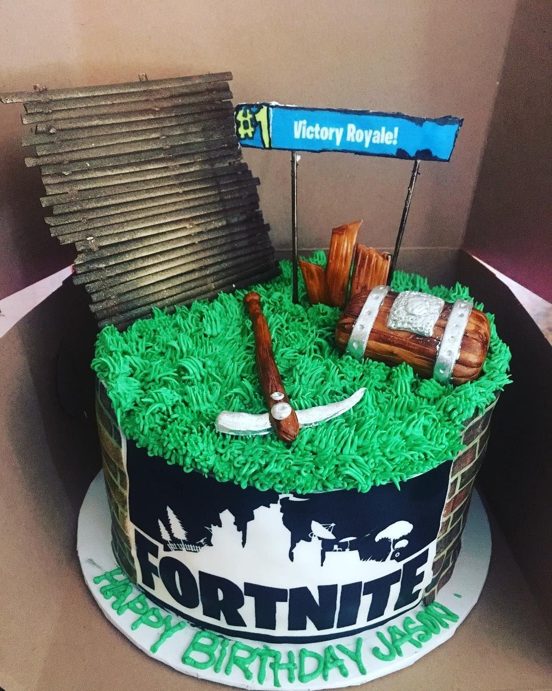 The Bakelife Cakes Birthday Cake Fortnite Fortnitecake Birthdaycake Gamer Victoryroyale Everydayhustle